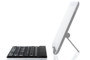 Wireless tablet keyboards